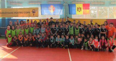 Video // FMF a organizat la Petrești un turneu de mini-fotbal pentru copii